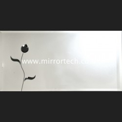 MT02 Black Flower Mirror