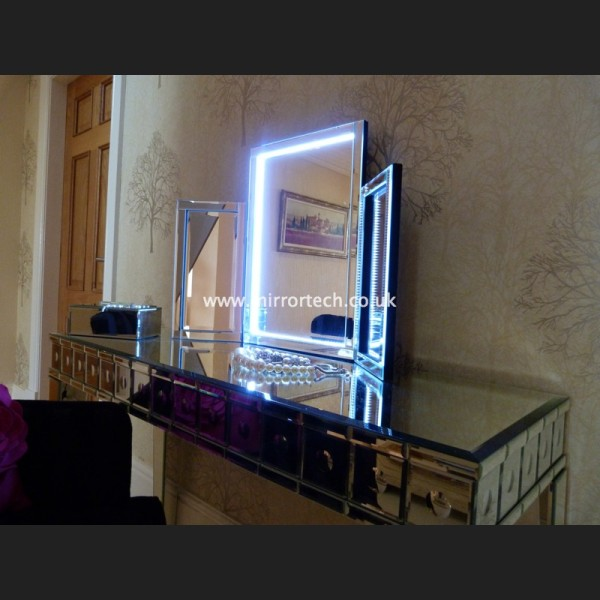 Dressing Table Lighted Mirror Images