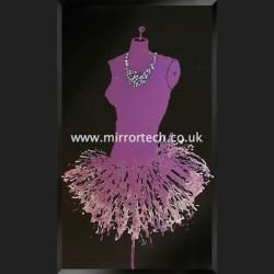 MTB-516 Purple Mannequin On Black Glass